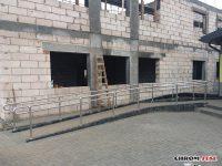 Balustrady ze stali nierdzewnej w przedszkolu i hali sportowej w Tarnawatce