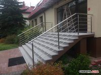 Chromoniklowe balustrady połączone z drewnem - Nadleśnictwo Narol